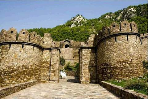 Bhangarh, The Haunted Place, Travel, Lake, Feet, Resting, Hiking, Hiker, Outdoors